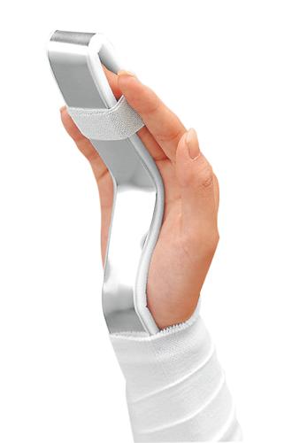 突き指の捻挫を固定するアルフェンスシーネ